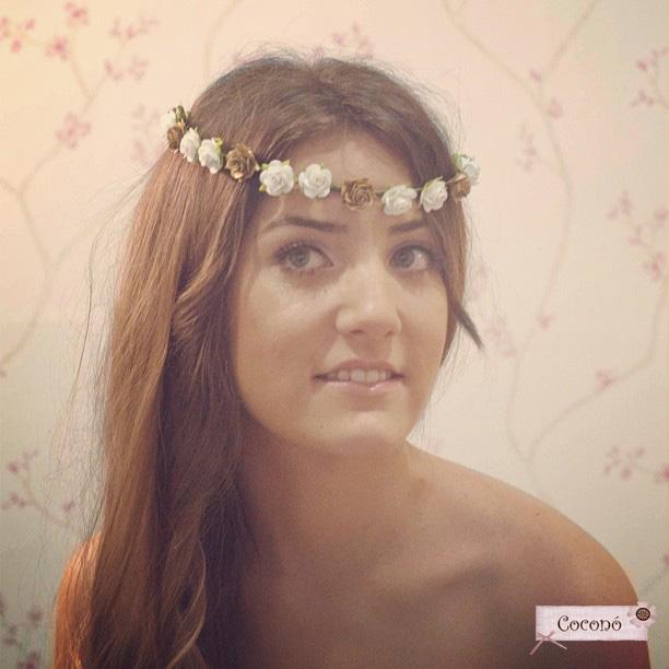 corona de flores melena setlan moda