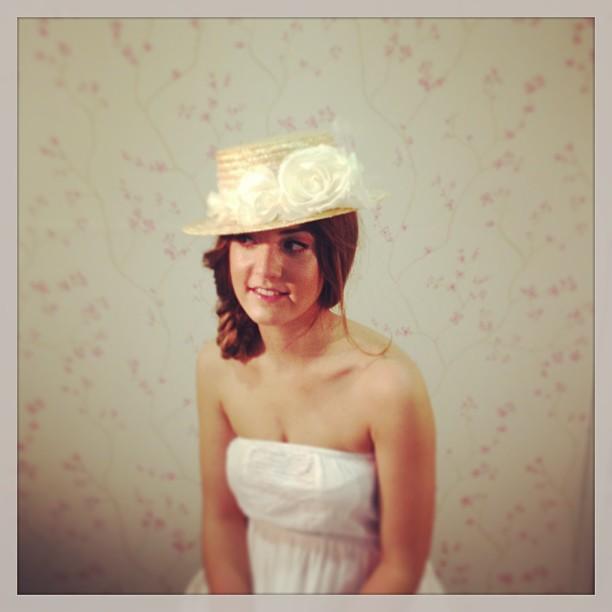 tocado invitada bodas setlan moda